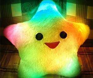 xlight-up-star-pillow-by-amico.jpeg.pagespeed.ic.CvXYSXXpAo